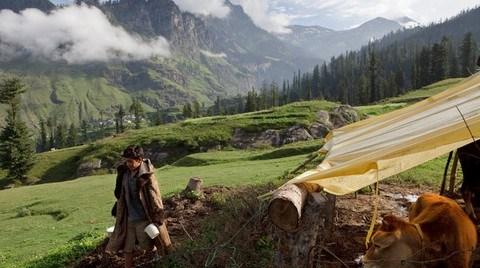 Himalayalar'da 7 Yıldır Tamamlanamayan Bir Kayak Tesisi