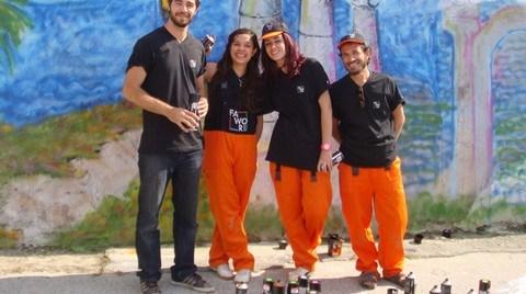 Fawori Boya Renkleri İzmir Sokaklarında