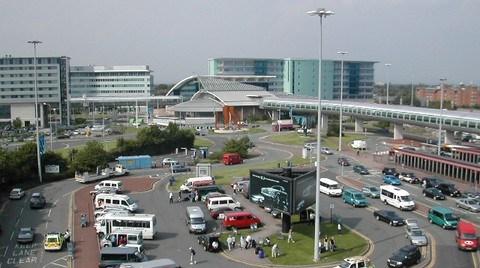 Havaalanından Ev Sahiplerine 1 Milyon Sterlin