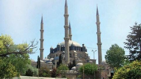 Mimarinin Cami ile İmtihanı