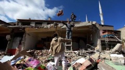 Meslek Odaları Van Depreminin Yıldönümünde Basın Açıklaması Yaptı