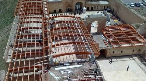 İshak Paşa Sarayı Restorasyonu 'Sorunsuz' Devam Ediyor