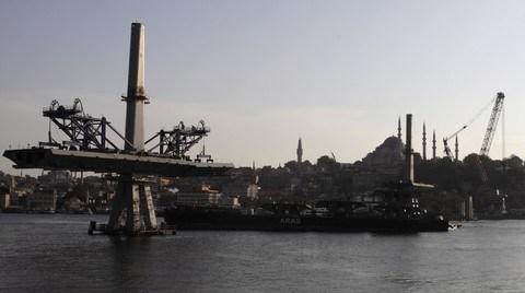 Köprünün inşaat halinde dahi Süleymaniye siluetiyle yarıştığı söylenebilir.
