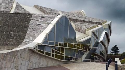 Taş - Galisia Kültür ve Kütüphane Merkezi