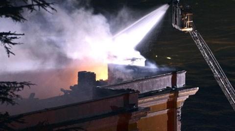 Galatasaray Üniversitesi'nin Tarihi Binası da Yandı