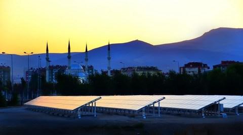 100 Önemli Yatırımcı Güneş Enerjisi için Tetikte Bekliyor
