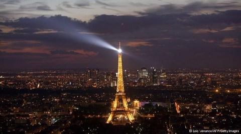 'Işıltılı Fransa Geceleri'ne Yeni Düzenleme