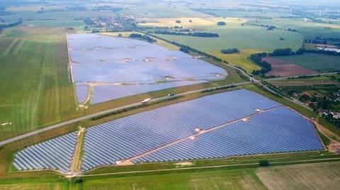 Yingli Solar 2012'de 2,2 GW Kapasitesinde Güneş Paneli Sattı