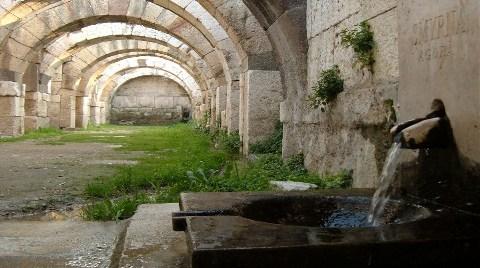 Tarihi Agora'nın Etrafına Duvar Örülecek