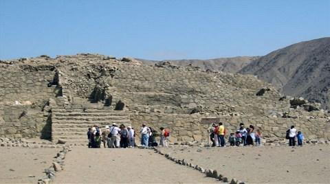 Peru'da 5000 Yıllık Tapınak Bulundu