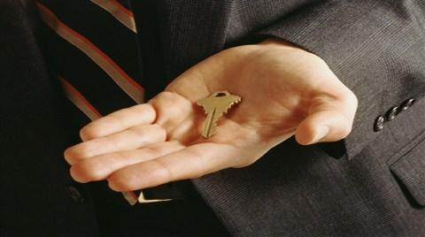 Emlakçı Sigorta Acentelerinin Yerine Finans Ofisleri!