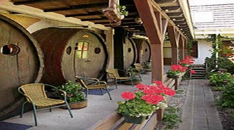 Şarap Fıçısından Otel Yaptılar!