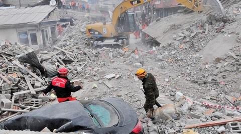 """""""Riskli Yapıları Depremden Önce Biz Yıkmalıyız"""""""