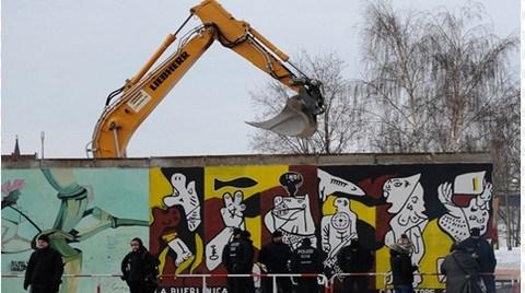 Berlin Duvarı Yıkıldı, Çünkü Konut Yapılacak!