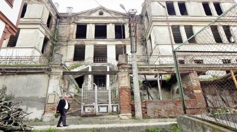 Bir Tarihi Bina Daha Satılıp Otel Oluyor!