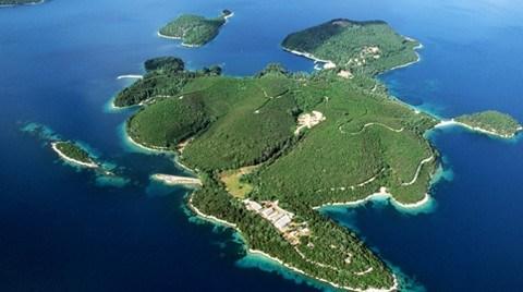 Torun Yasak Dinlemedi, Adasını Sattı
