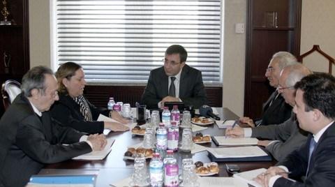 Zeynep Bodur Okyay TSF Başkanlığını Bırakıyor