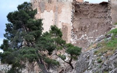 Tarihi Kale Çöktü!