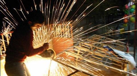 Sanayi Nisan'da Yüzde 73.6 Kapasiteyle Çalıştı