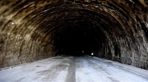 Tünelin Ucunda Işık Göründü