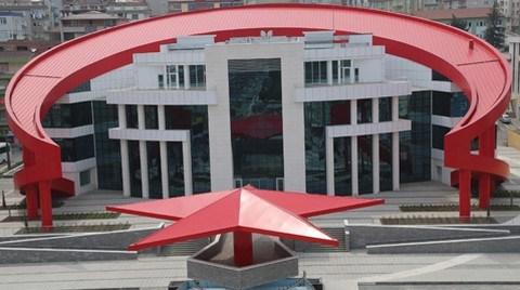 Türk Bayrağı Bina Oldu!