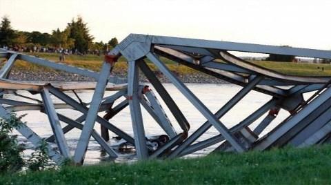ABD'de Köprü Felaketi