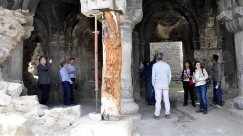 11 Asırlık Kiliseye Krikolu Destek