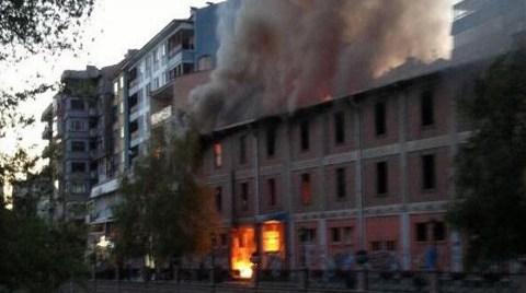 Eskişehir'in Emek'i Kılıçoğlu Sineması Yanıyor