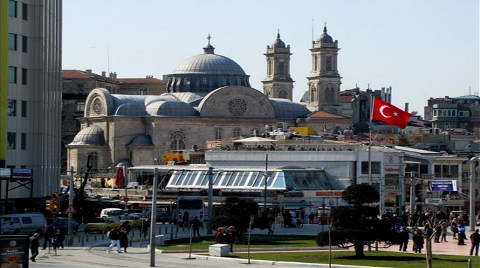 Taksim'de Kilise 'Meydan'a Çıkacak mı?