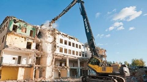 Esenler Belediyesi İlk  Dönüşüm Mahallesinde Son Binayı Yıkıyor!
