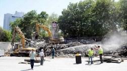 Gezi Parkı'ndaki Son İşyeri de Kaldırılıyor