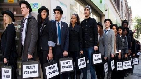 AB Gençler Arasındaki Rekor İşsizliğe Çare Arıyor