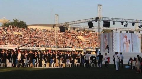 İTÜ Gezi Forumu'ndan Mezuniyet Protestosu