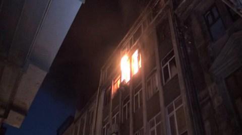 İstanbul'da Tarihi Zaza Han'da Yangın