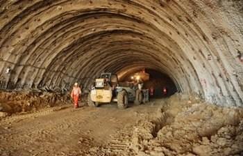 """Bakan'dan Arkeologlara """"Tünel"""" Tepkisi!"""