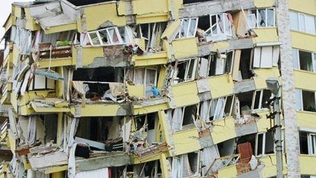 Deprem Alanları Talan Edilmiş!