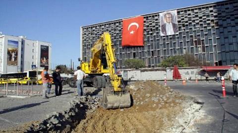 """""""Yargı Kararı Var, Taksim'e İş Makinesi Giremez"""""""