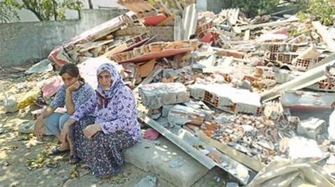 Ataşehir'de 367 Ev Yıkıldı; Aileler Geceyi Sokakta Geçirdi