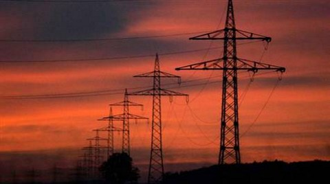 Elektrikte Tüketim Arttı, Üretim Düştü
