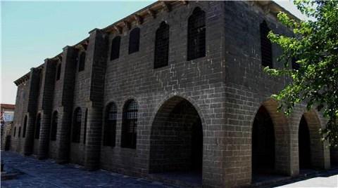 Ermeni Kilisesi'nde 'Kent Müzesi' Açılıyor