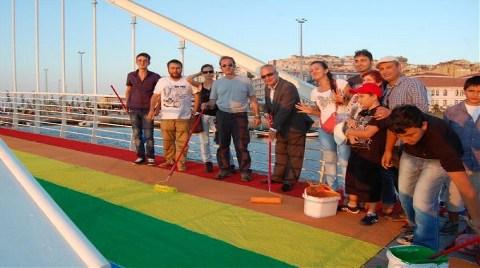'Aşk Köprüsü'nden Rengarenk Kareler!