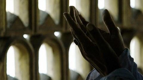 """Belediye Önünde """"İmar Duası"""""""