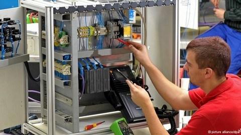 Siemens Kemer Sıkmak için Personel Sayısını Azaltıyor