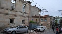 Eski Özel İdare Binası Çöktü