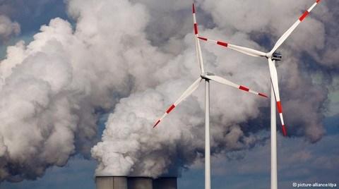 Yenilenebilir Enerji Dönüşümü Faturaları Kabartıyor