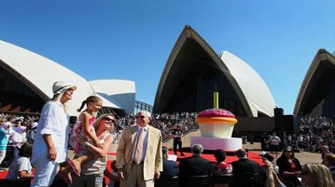 Sidney Opera Evi 40'ı Devirdi