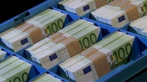 Hazine, 1,25 Milyar Euro Borçlandı
