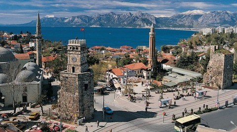 """""""Antalya hala Kaleiçi'ndeki 53 Yapının Nasıl Yıkılacağını Tartışıyor"""""""