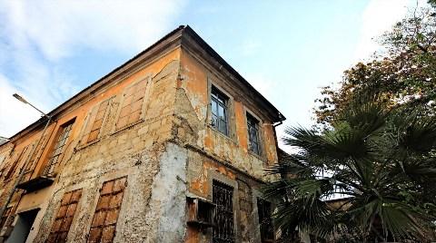 Eski Türk Evleri Bakımsızlıktan Dökülüyor!