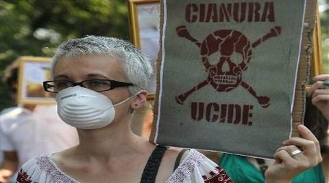 Romanya'da Siyanürcüler Geri Adım Attı